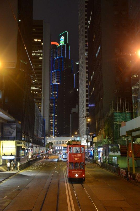 Tramway et gratte-ciels
