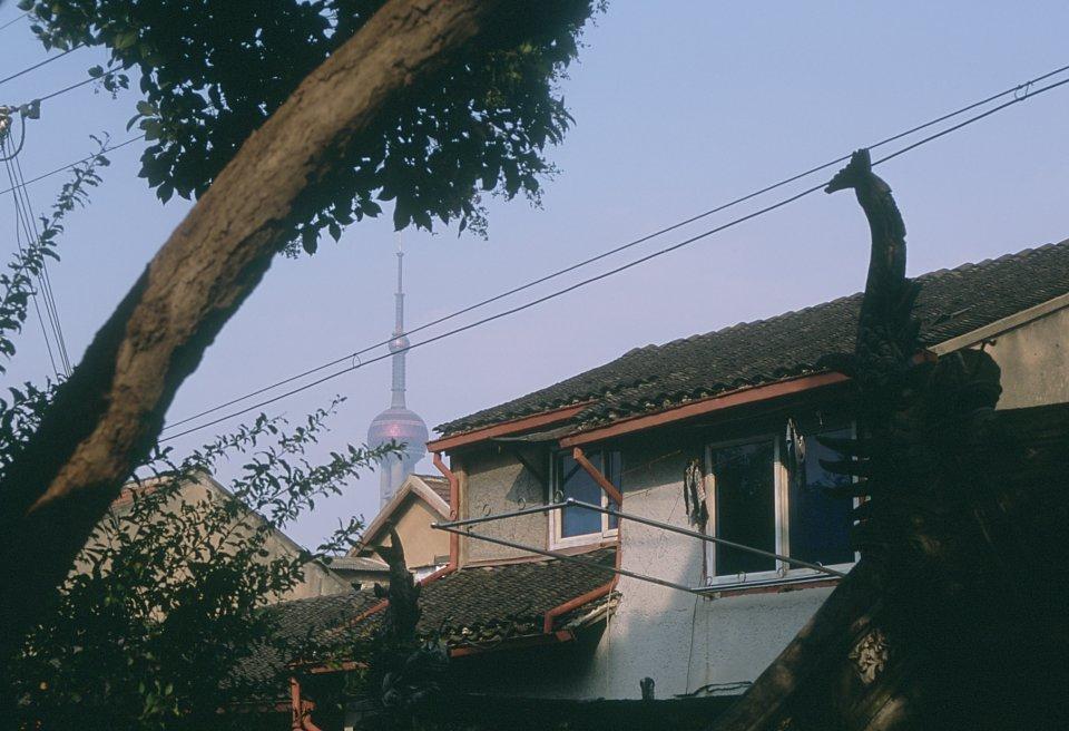 Pudong depuis les vieux quartiers de Shanghai