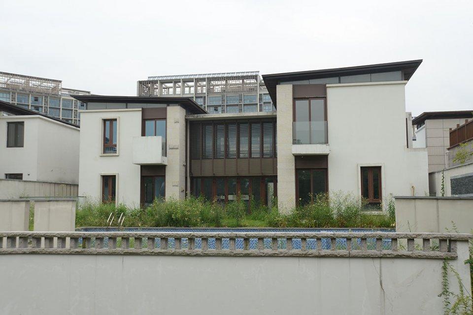 Pavillons, lac Tai