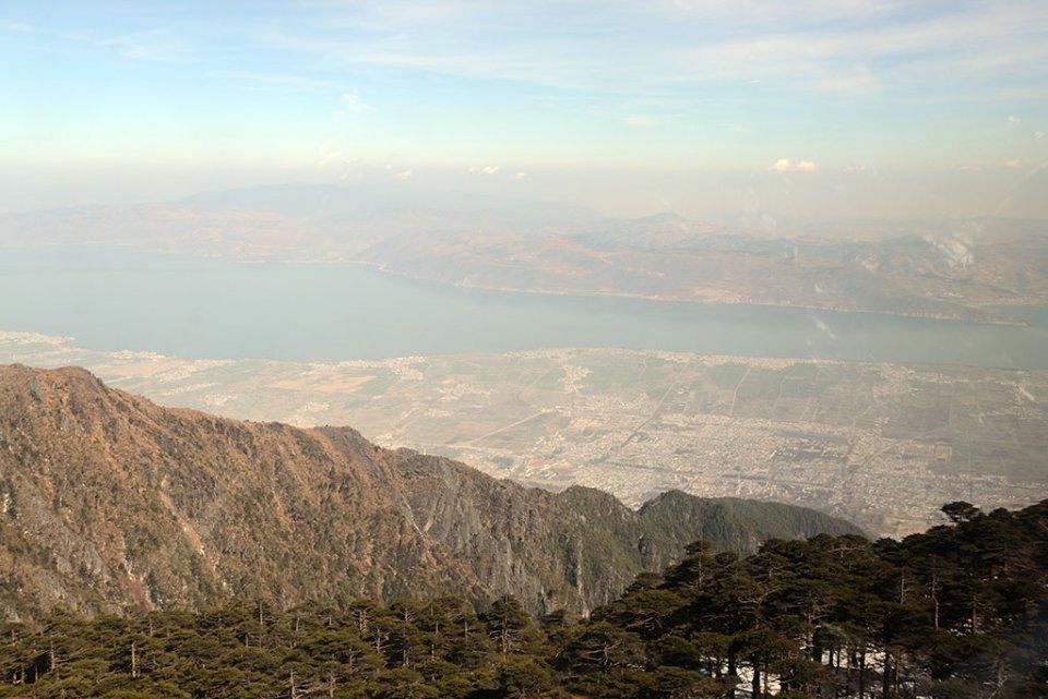 Le lac Erhai depuis les sommets